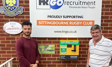 Rugby Club Raises Funds For A Community Defibrillator