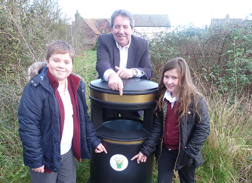 Litter Angels Charity Installs Two New Bins In Iwade