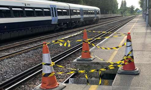Weekend Hole Appears At Newington Station